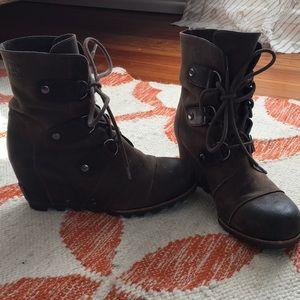 Sorel Joan of Arctic wedge boot 8.5
